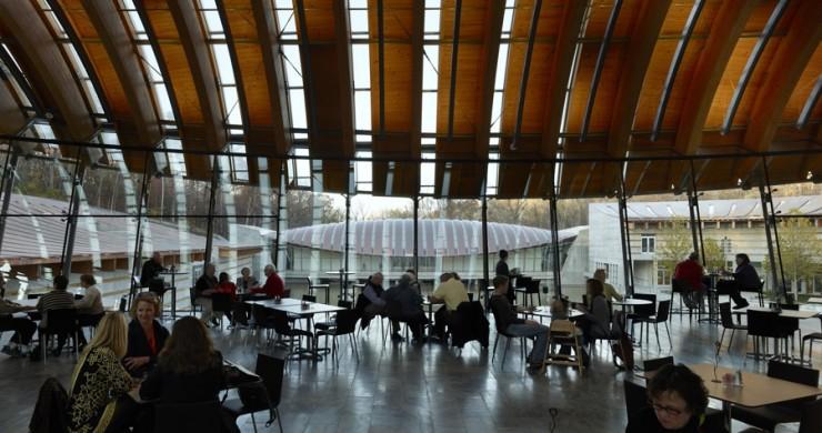 CRYSTAL BRIDGES MUSEUM | OUTDOOR AND INDOOR ART
