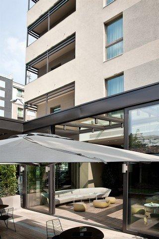 Starholtels E.c.h.o Milano STARHOTELS E.C.HO MILANO WINS EUROPEAN HOTEL DESIGN AWARDS  STARHOTELS E.C.HO MILANO WINS EUROPEAN HOTEL DESIGN AWARDS  2631759 Starhotels Echo Milan Hotel Exterior 17