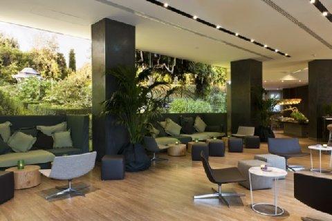 Starholtels E.c.h.o Milano STARHOTELS E.C.HO MILANO WINS EUROPEAN HOTEL DESIGN AWARDS  STARHOTELS E.C.HO MILANO WINS EUROPEAN HOTEL DESIGN AWARDS  2631759 Starhotels Echo Milan Lobby 23