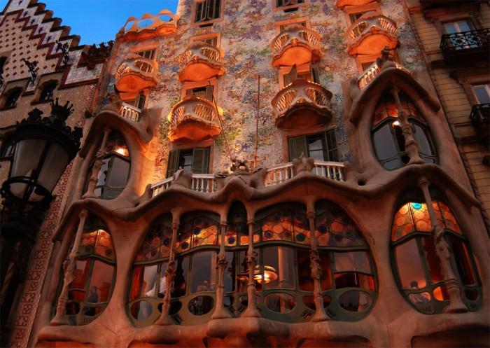 casa batllo barcelona BEST DESIGN AND ARCHITECTURE: SPANISH ARCHITECTURE, A CONTRAST BEST DESIGN AND ARCHITECTURE: SPANISH ARCHITECTURE, A CONTRAST casa batllo barcelona 3