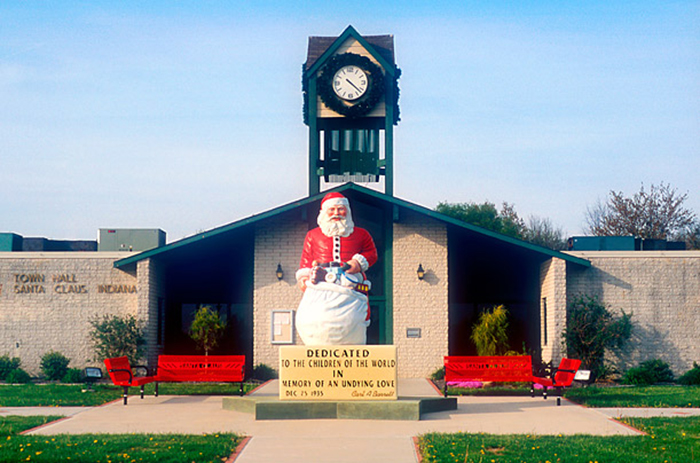 santa_claus THE MOST CHRISTMAS-LOVING US TOWNS THE MOST CHRISTMAS-LOVING US TOWNS santa claus