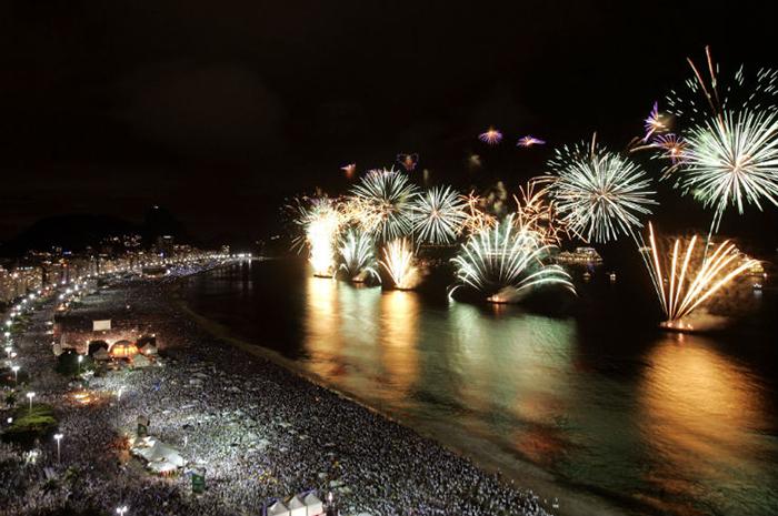 RiodeJaneiro-FimdeAno Travel destinations to spend New Year's Eve Travel destinations to spend New Year's Eve RiodeJaneiro FimdeAno