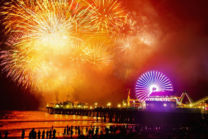 o-LOS-ANGELES-FIREWORKS-facebook Travel destinations to spend New Year's Eve Travel destinations to spend New Year's Eve o LOS ANGELES FIREWORKS facebook