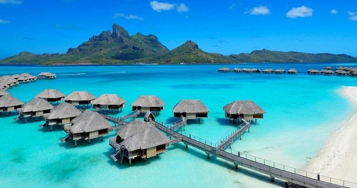 Top 10 Celebrity Vacation Spots Top 10 Celebrity Vacation Spots Four Seasons Resort Bora Bora 10 e1398101729959