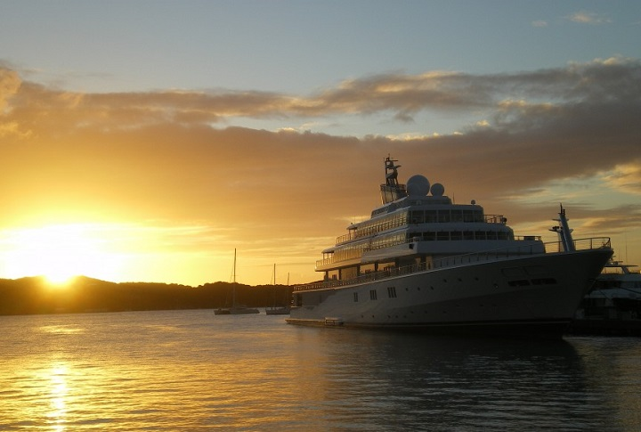 Top 5 Yachts Owned by Celebrities Top 5 Yachts Owned by Celebrities Top 5 yachts owned by celebrities david geffen the rising sun yacht  Home Top 5 yachts owned by celebrities david geffen the rising sun yacht
