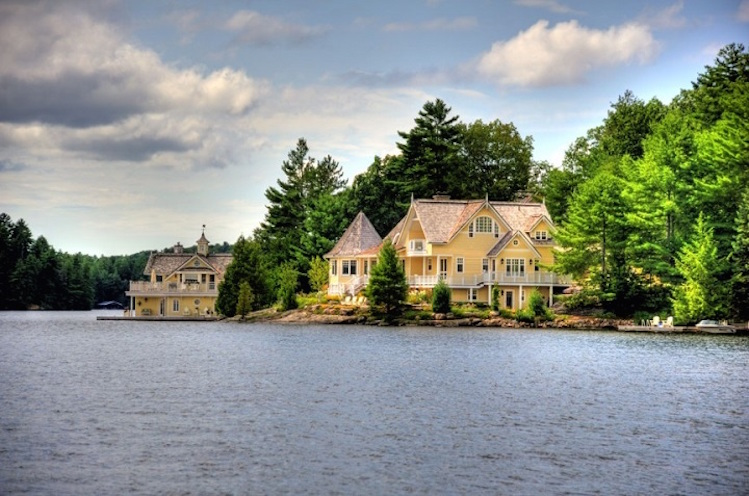 Top 10 Luxurious Muskoka Cottages You Must See Top 10 Luxurious Muskoka Cottages You Must See Top 10 Luxurious Muskoka Cottages You Must See top 10 luxurious muskoka cottage in the world 1880 lake rousseau cottage1