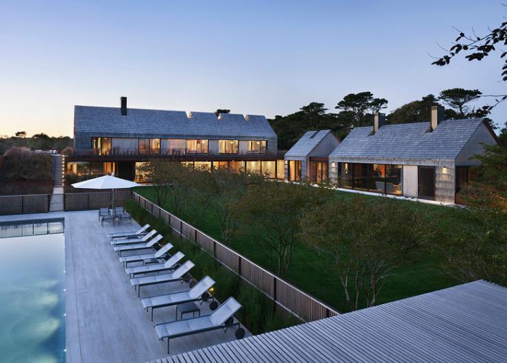 10 Bates Masi Architects Shingle-clad house mimics Long Island potato barns Bates Masi Architects Shingle-clad house mimics Long Island potato barns 104