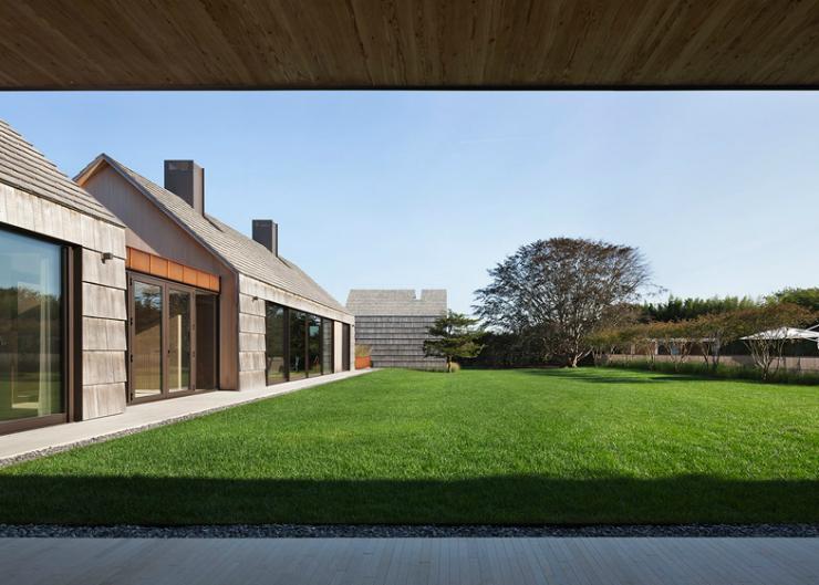 8 Bates Masi Architects Shingle-clad house mimics Long Island potato barns Bates Masi Architects Shingle-clad house mimics Long Island potato barns 87