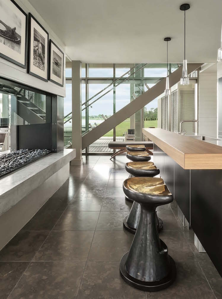 Outstanding Glass Boathouse by Tara Shaw Design Tara Shaw Design Outstanding Glass Boathouse by Tara Shaw Design Boathouse 4