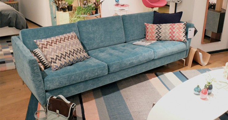 velvet sofas 2017 trend for living room: 5 velvet sofas 0 Osaka Blue sofa