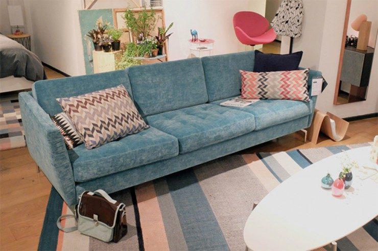 velvet sofas velvet sofas 2017 trend for living room: 5 velvet sofas 2 Osaka Blue sofa 740x492