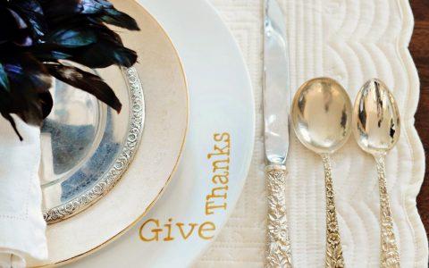 Stylish Thanksgiving Home Decor Ideas: Dining Room Decor Stylish Thanksgiving Home Decor Ideas: Dining Room Decor 1400961523386 480x300