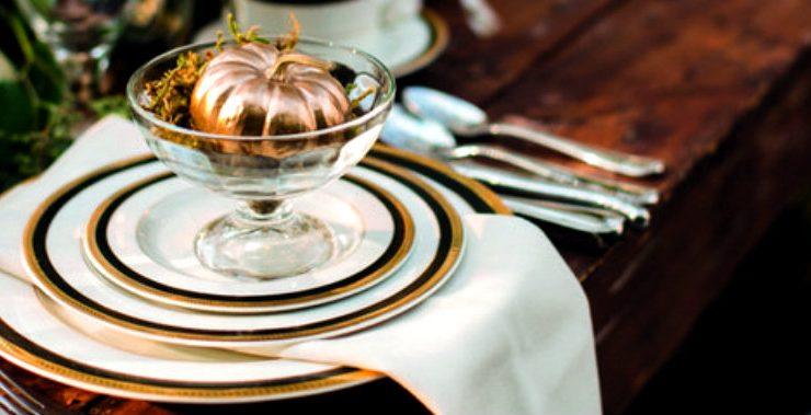 memorable thanksgiving table Create A Memorable Thanksgiving Table With These Decor Ideas thanksgivingmain 740x379