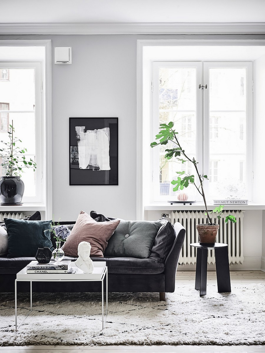5 Black Leather Sofas Perfect For Your Living Room Decor ...