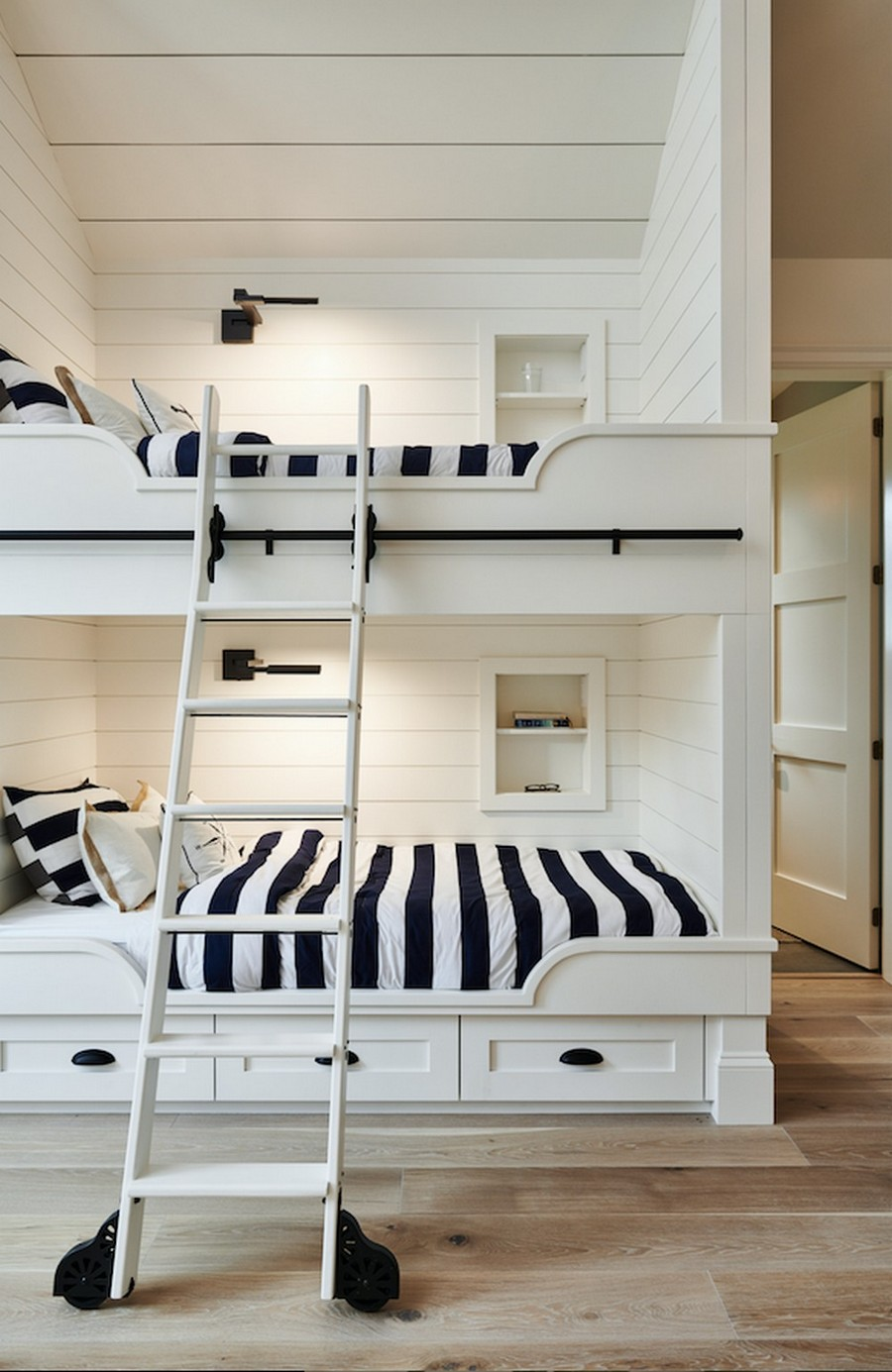 interior design Get Inspired By The Interior Design Of This Vancouver Getaway Get Inspired By The Interior Design Of This Vancouver Getaway 5