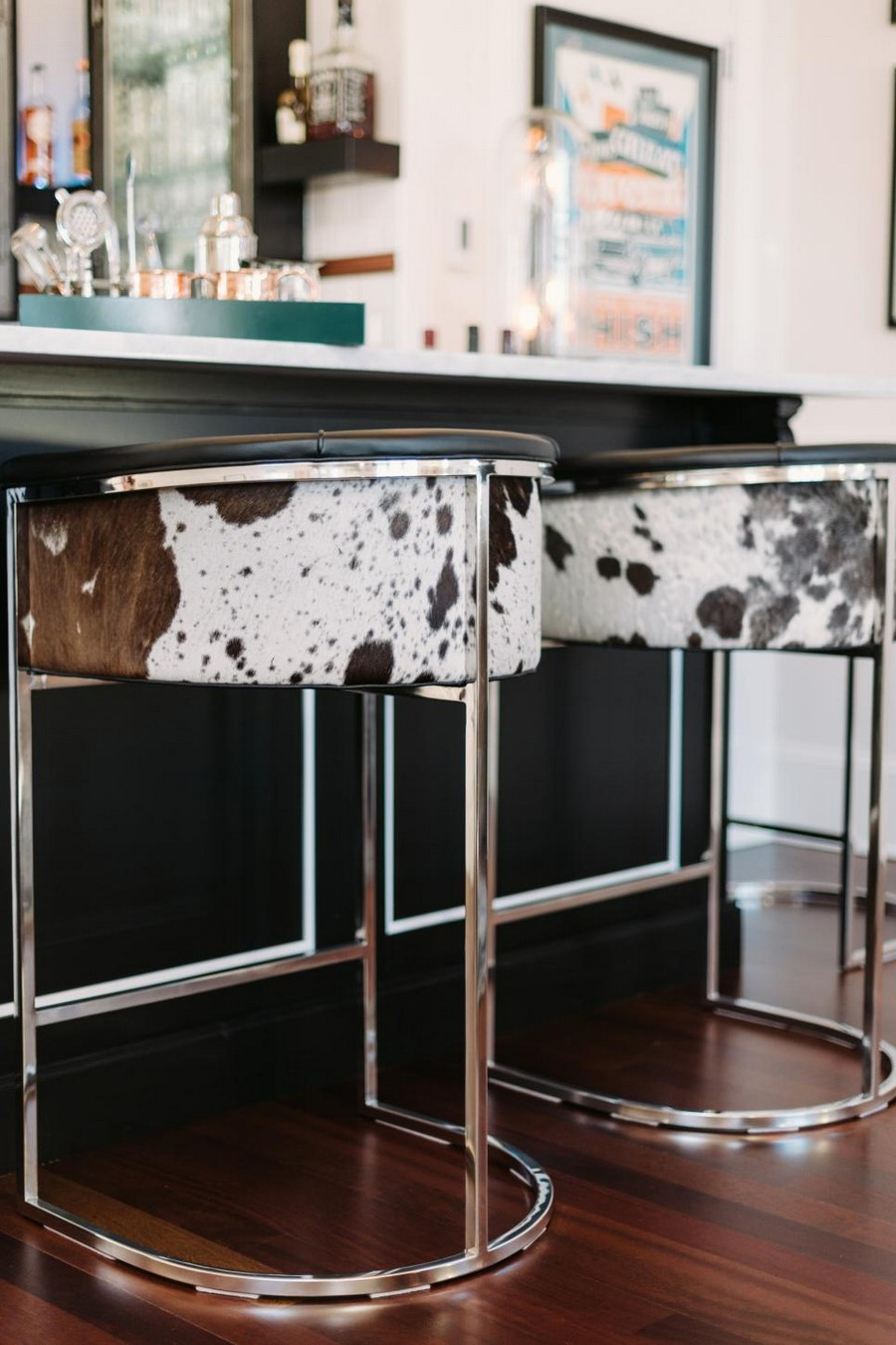 7 Contemporary Counter Stools Perfect For Your Kitchen Decor
