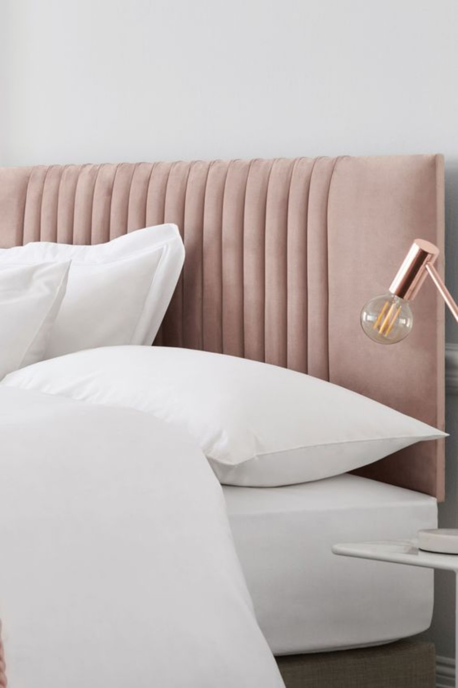 Trend Report - Incorporate Velvet Into Your Home Decor In A Stylish Way trend report Trend Report – Incorporate Velvet Into Your Home Decor In A Stylish Way Trend Report Incorporate Velvet Into Your Home Decor In A Stylish Way 4
