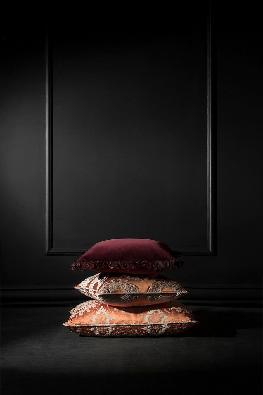 Trend Report - Incorporate Velvet Into Your Home Decor In A Stylish Way trend report Trend Report – Incorporate Velvet Into Your Home Decor In A Stylish Way Trend Report Incorporate Velvet Into Your Home Decor In A Stylish Way 9
